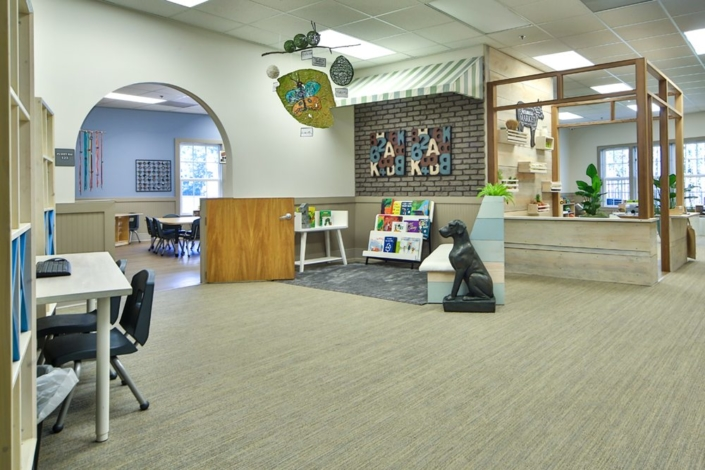 Children's Discovery Center mini library